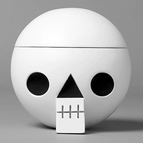 Acne JR - Kranium - Wooden skull