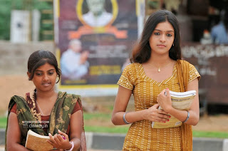 Vidiyum-Varai-Vinmeengalaavom-Movie-Stills
