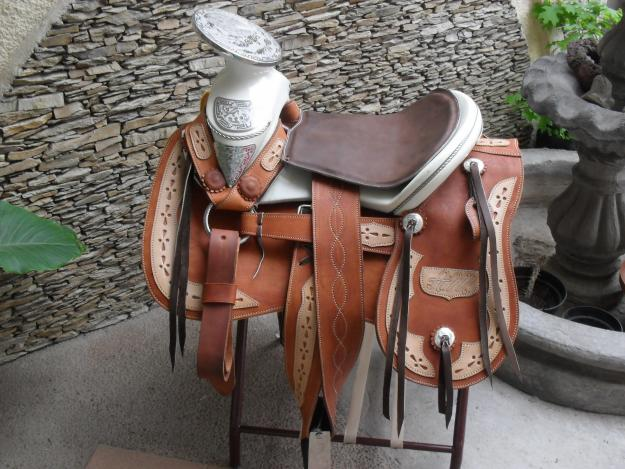 Sillas y monturas ergon micas sillas y monturas ergon micas for Monturas para caballos