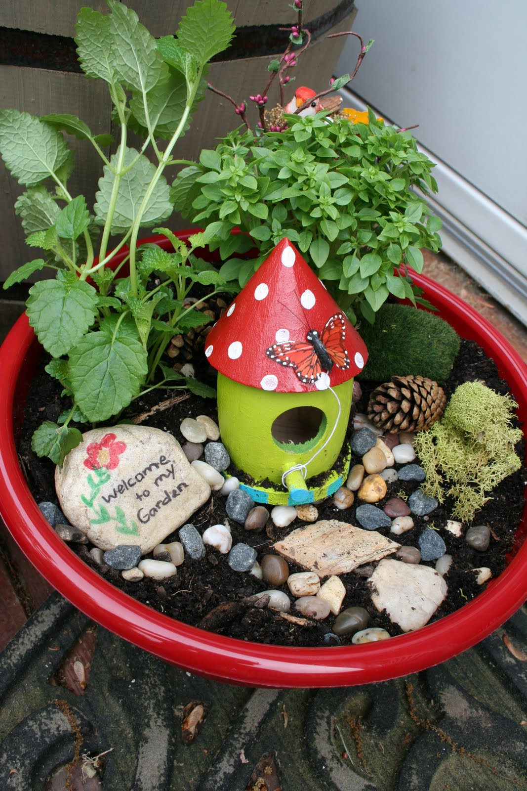Pink and Green Mama: * Teacher Appreciation Gift: Fairy Garden Bowls