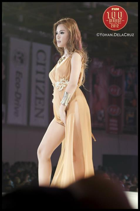 natalie hayashi sexy gown at the 2012 fhm philippines 100 sexiest victory party 01