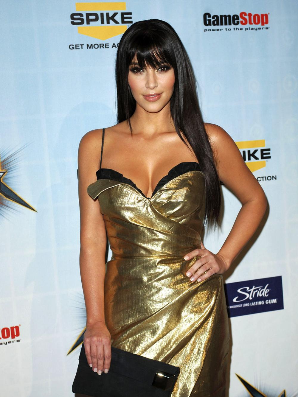 Kim Kardashian Straight Hair 02