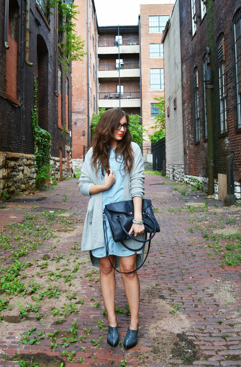easy weekend outfit - cashmere and chambray