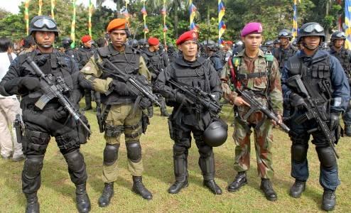 Di tengah keterbatasan sistem persenjataan,kemampuan pasukan elite TNI ...