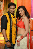 Hamsha Nandini Item Song in Loukyam-thumbnail-12