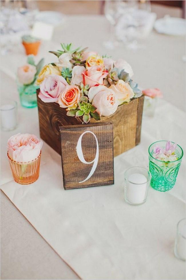 Centros de mesa con cajas de madera para tu boda centros for Centros de mesa de madera