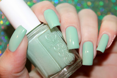 "Swatch of nail polish ""Fashion Playground"" from Essie"