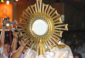 VENHA ADORAR A JESUS VIVO E PRESENTE NA EUCARISTIA