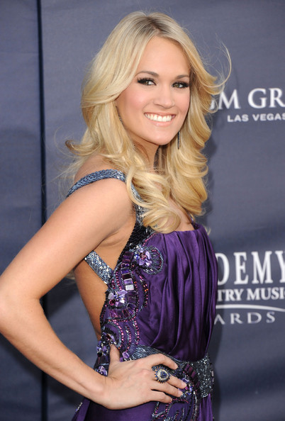 Carrie Underwood Photo Buzz Haircut Wavy Bob Hairstyles
