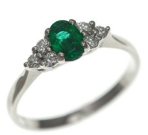 Fantastic Emerald Engagement Rings
