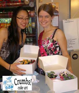 Crumbs Cake Art Facebook : Welcome to CrumbsCakeArt.blogspot.com: Hen s Cake ...