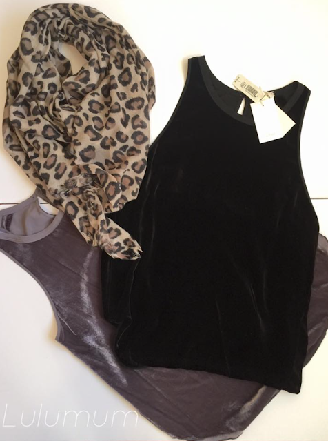 http://aritzia.com/en/product/leopard-rectangle/33041.html?dwvar_33041_color=7080