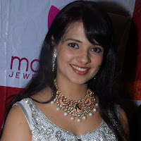 Ornamental sexy lovely Saloni latest photos at jewellery shop