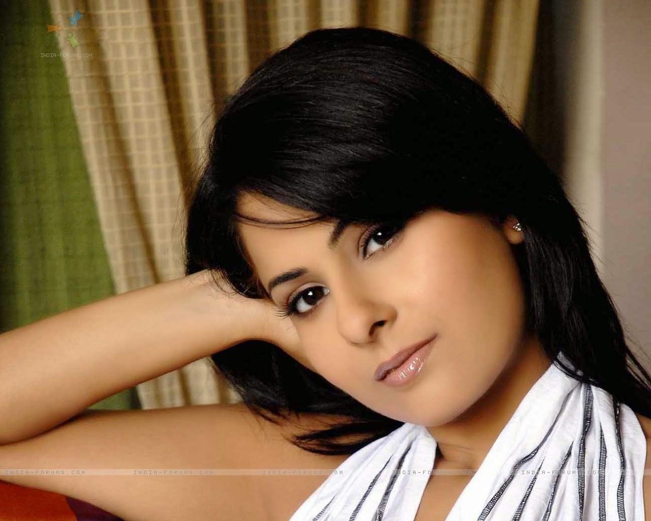 Chhavi Mittal - Chhavi Mittal Photo Gallery, Videos, Fanclub