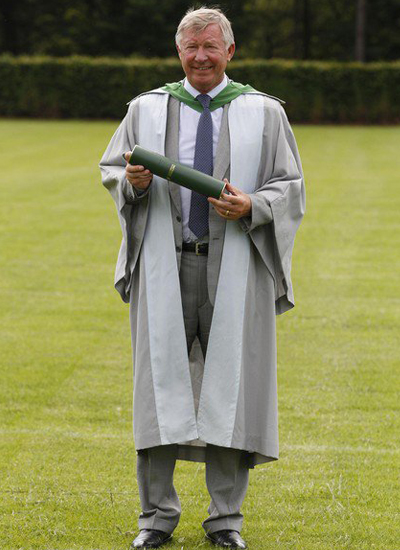 Sir Alex Frguson Receives An Honorary Doctorate University Of Stirling