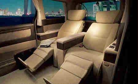Interior mobil paling mewah dari Alphard