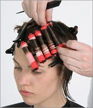 La máscara para los cabellos de sekuschihsya de las puntas el aceite de bardana