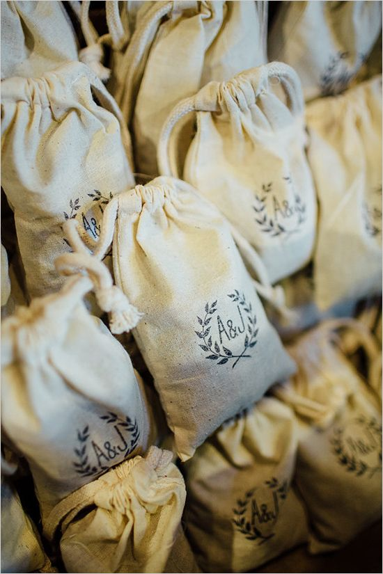 Oh mai wedding door gift sticker kahwin bunting button for Idea untuk doorgift perkahwinan