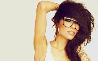 BeautifulGirl_Glasses_Hipster_Hair_Style_fashion_look_tattos_tatoos_brunette_brown_eyes_model_lifestyle_hd_wallpaper_photography