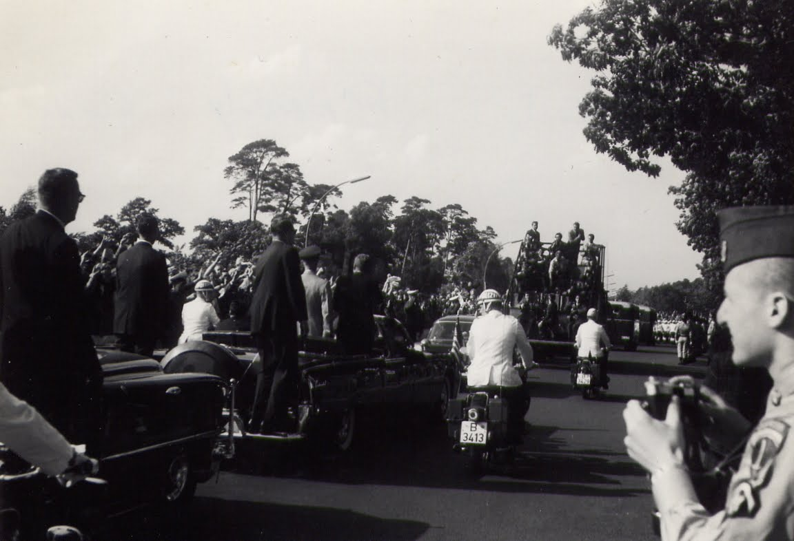 JFK motorcade- agents on rear of limo