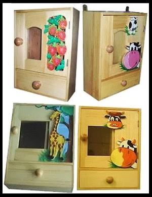 Kotak obat anak dengan berbagai karakter