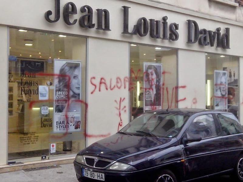 the new antisemite france hair salon with jewish name targeted with antisemitic graffiti. Black Bedroom Furniture Sets. Home Design Ideas
