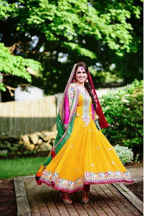 Mehndi Party Dresses 2016 : Exclusive embroidered fancy beautiful wedding bridal