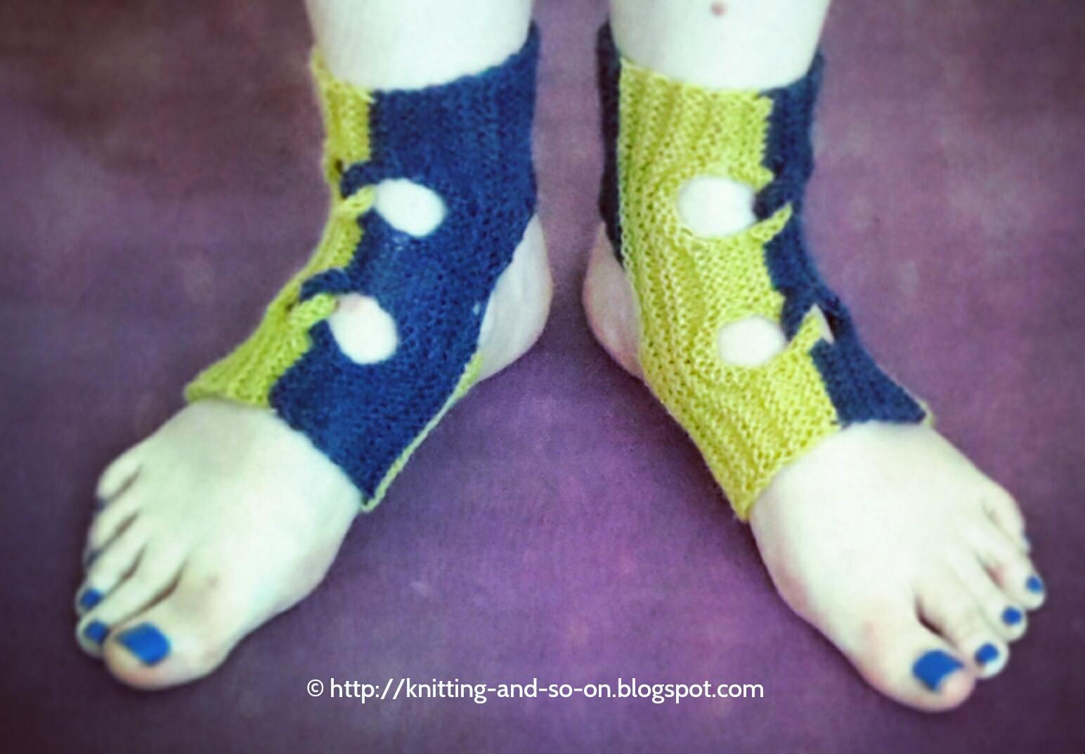 Knitting and so on: Garudasana Yoga Socks