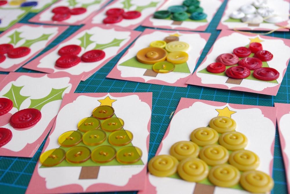 coudre de jolis boutons vintage sur des supports sapin de noël - www.cocoflower.net