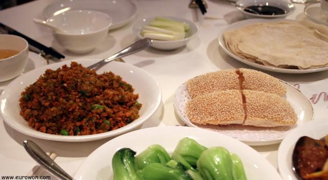 Entrantes en restaurante chino de Hong Kong