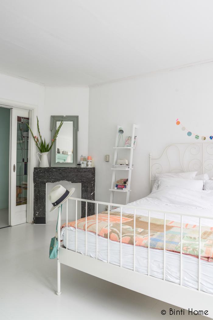 Un dormitorio de estilo rom ntico vintage decorar tu - Dormitorios estilo romantico ...