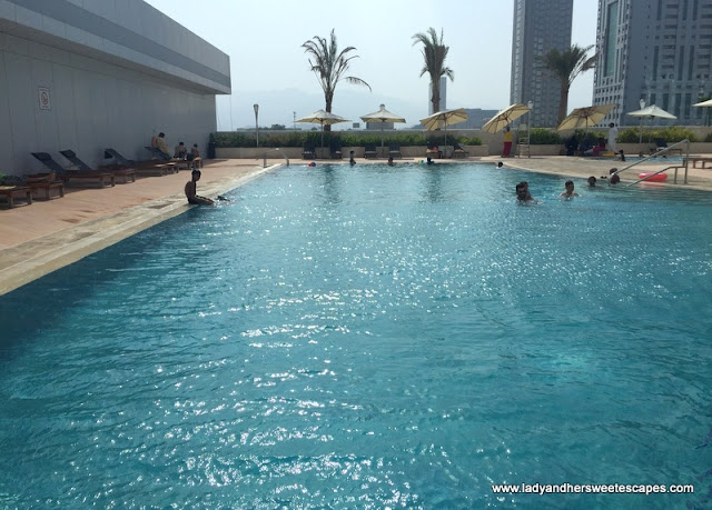 Novotel Fujairah swimming pool