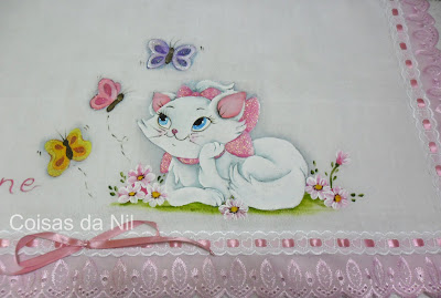 """fralda pintada para menina com a gata marie"""
