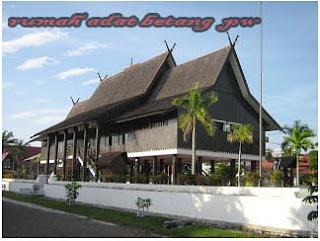 Keberagaman dan keunikan rumah adat di Indonesia yang terkenal di mata dunia,Rumah Adat Betang Kalimantan Tengah