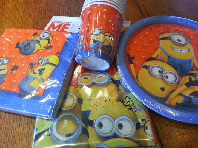 Despicable Me Minions Party Supplies Review