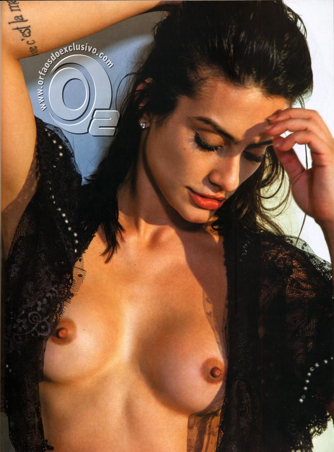 http://3.bp.blogspot.com/-vYRLcl0uOBU/T8kr_m0qT-I/AAAAAAAABM4/cevkMMbrirg/s1600/revista+playboy+capa+as+mulheres+do+mundo+playboy+maio+2011+editora+abril+(10).jpg