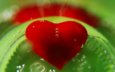 HD Top Beautiful Love Heart Pics
