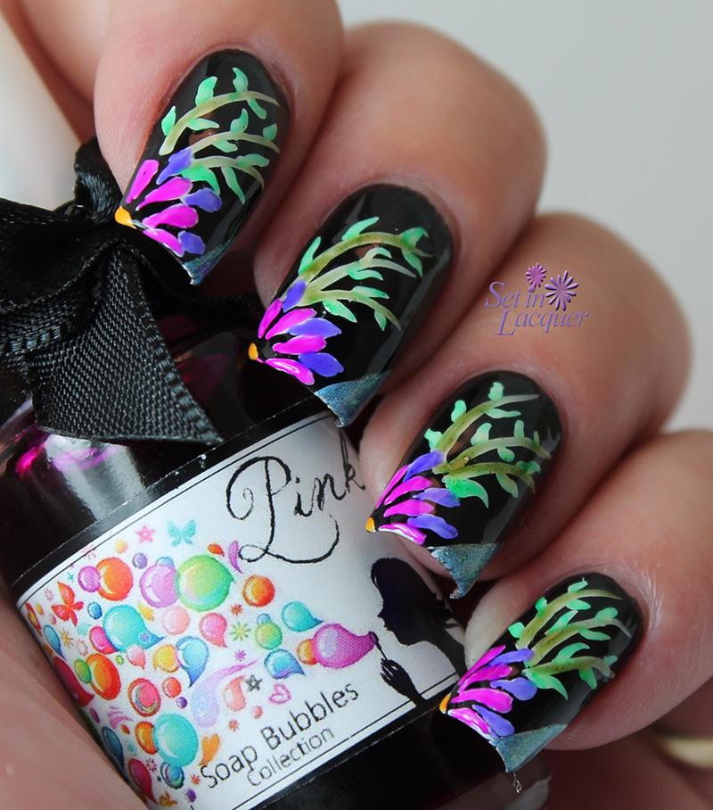 Esmaltes da Kelly Soap Bubbles - floral nail art - Set in Lacquer