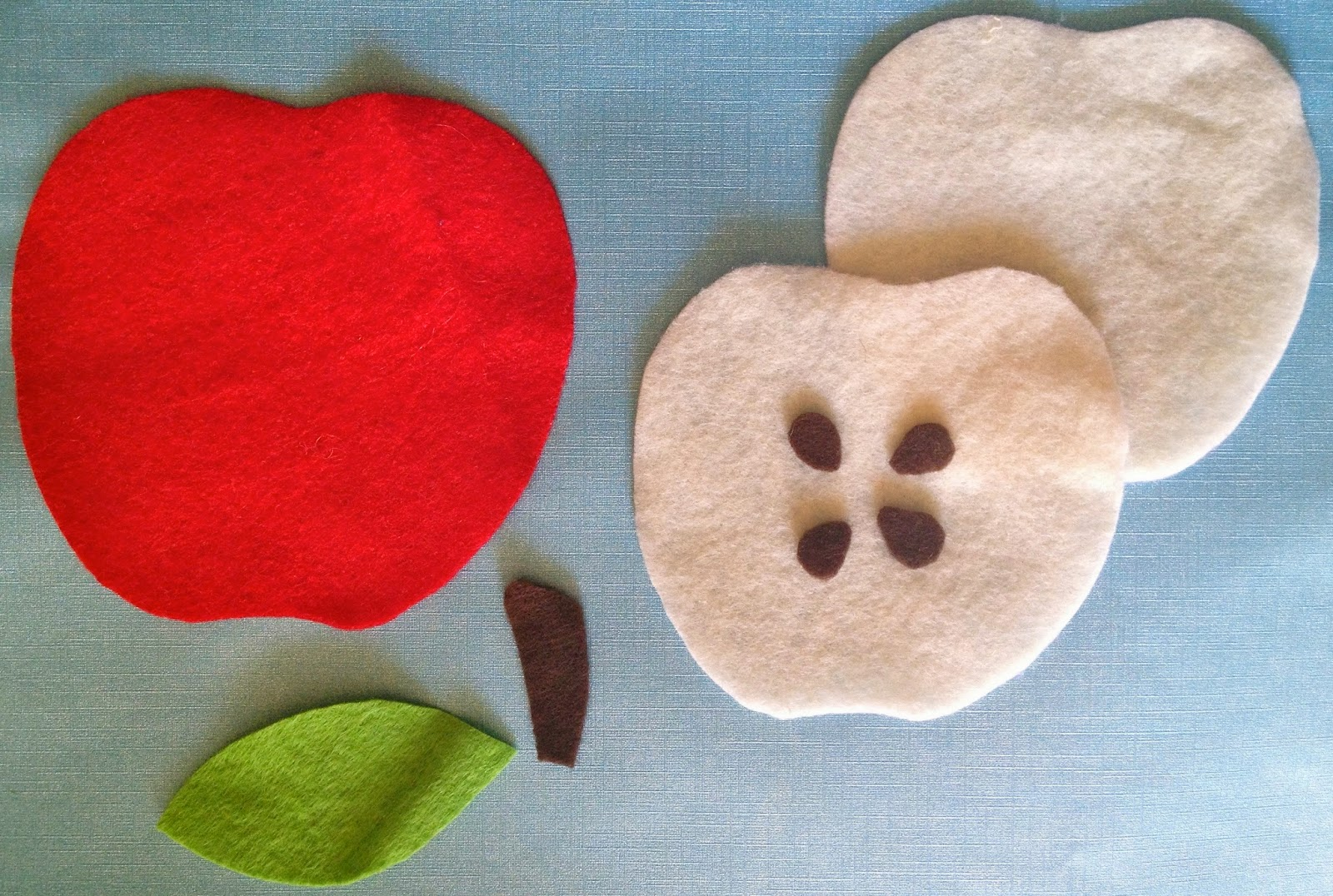 how to make a felt apple needle case