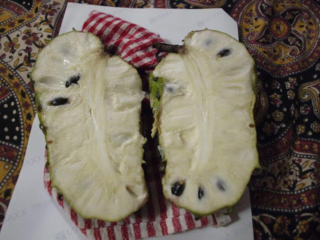 cut open soursop