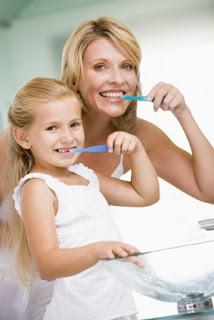 Perawatan sehari-hari gigi dan rongga mulut agar tetap sehat