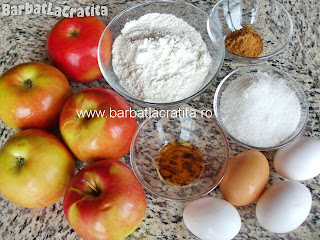 Budinca de mere ingrediente reteta