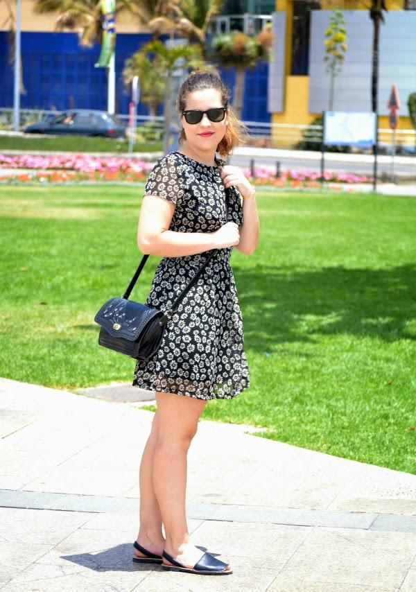 look_outfit_con_vestido_flores_menorquinas_nudelolablog_01