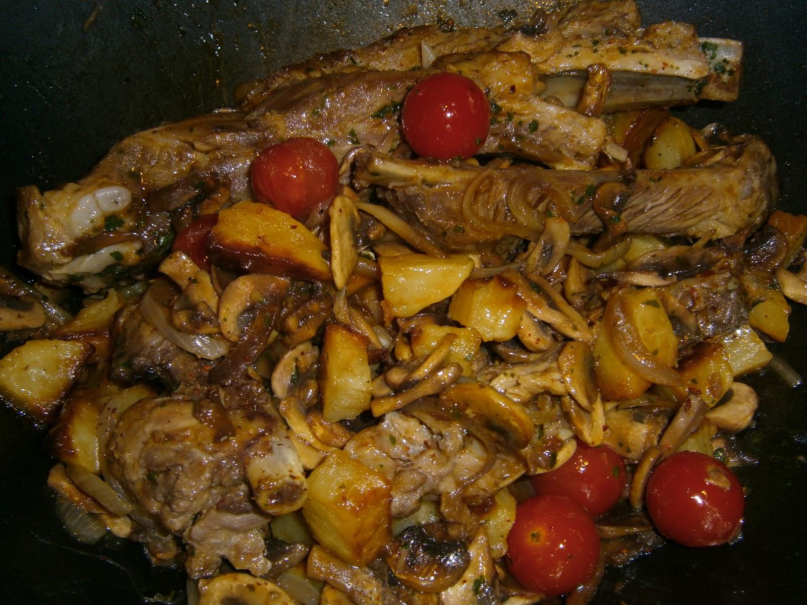 El taller de cocina de ester wok de champi ones con - Wok 4 cocinas granollers ...