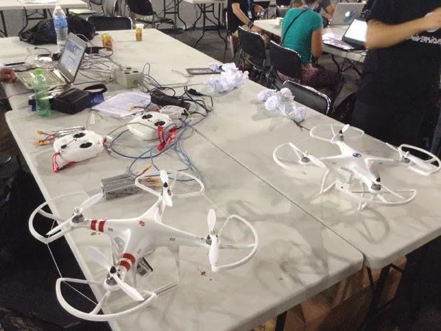Quadricópteros na campusparty2014