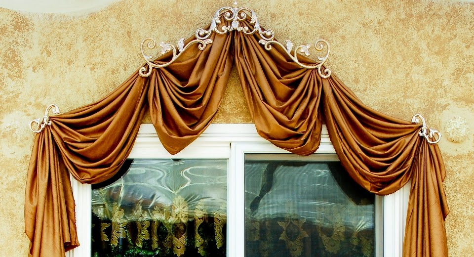 How to Swag Curtains