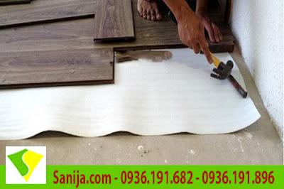 Thi công sàn gỗ với xốp Pe foam