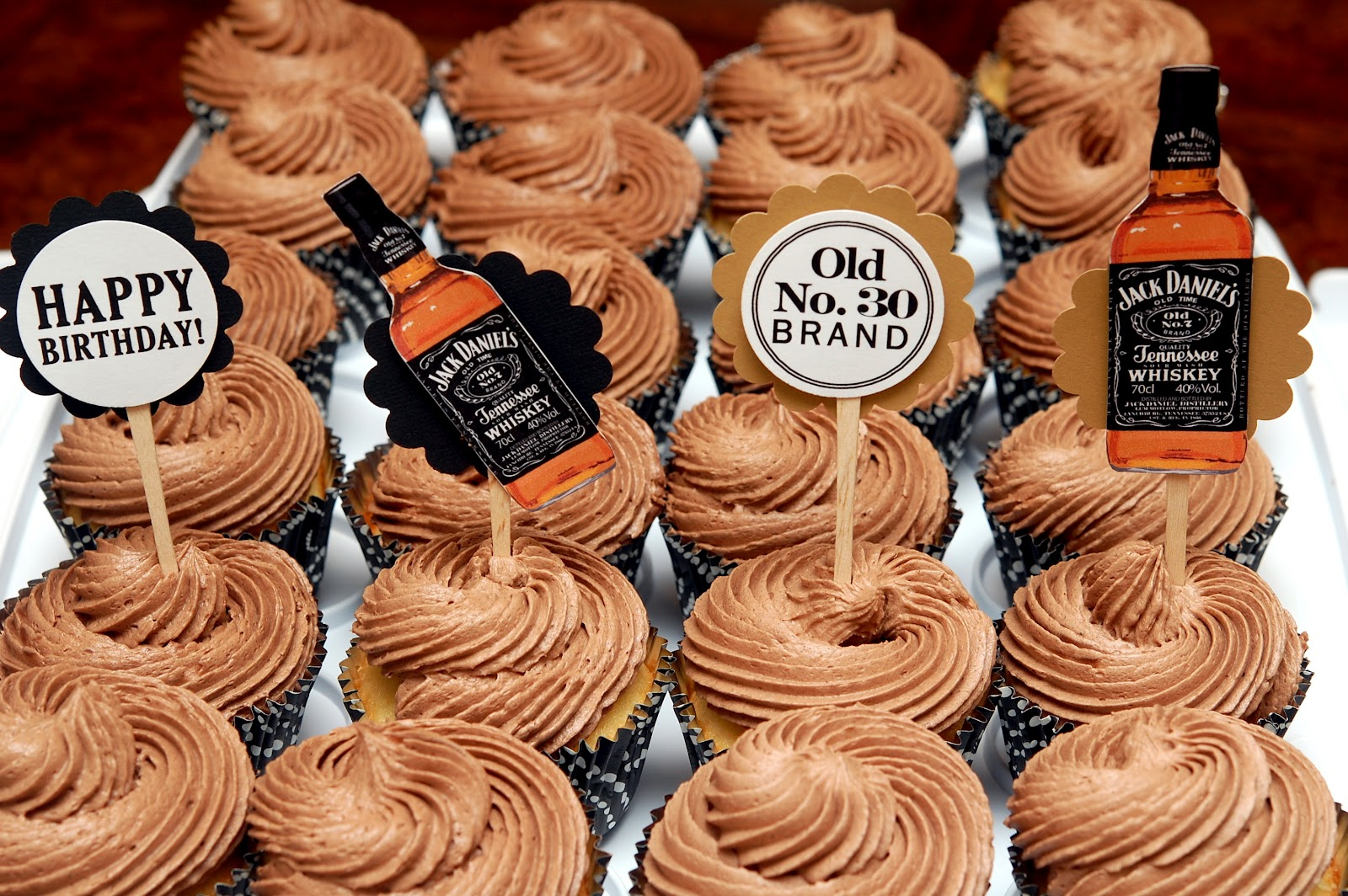JACK DANIELS CUPCAKES FOR THE GROWN UPS Hugs and Cookies XOXO