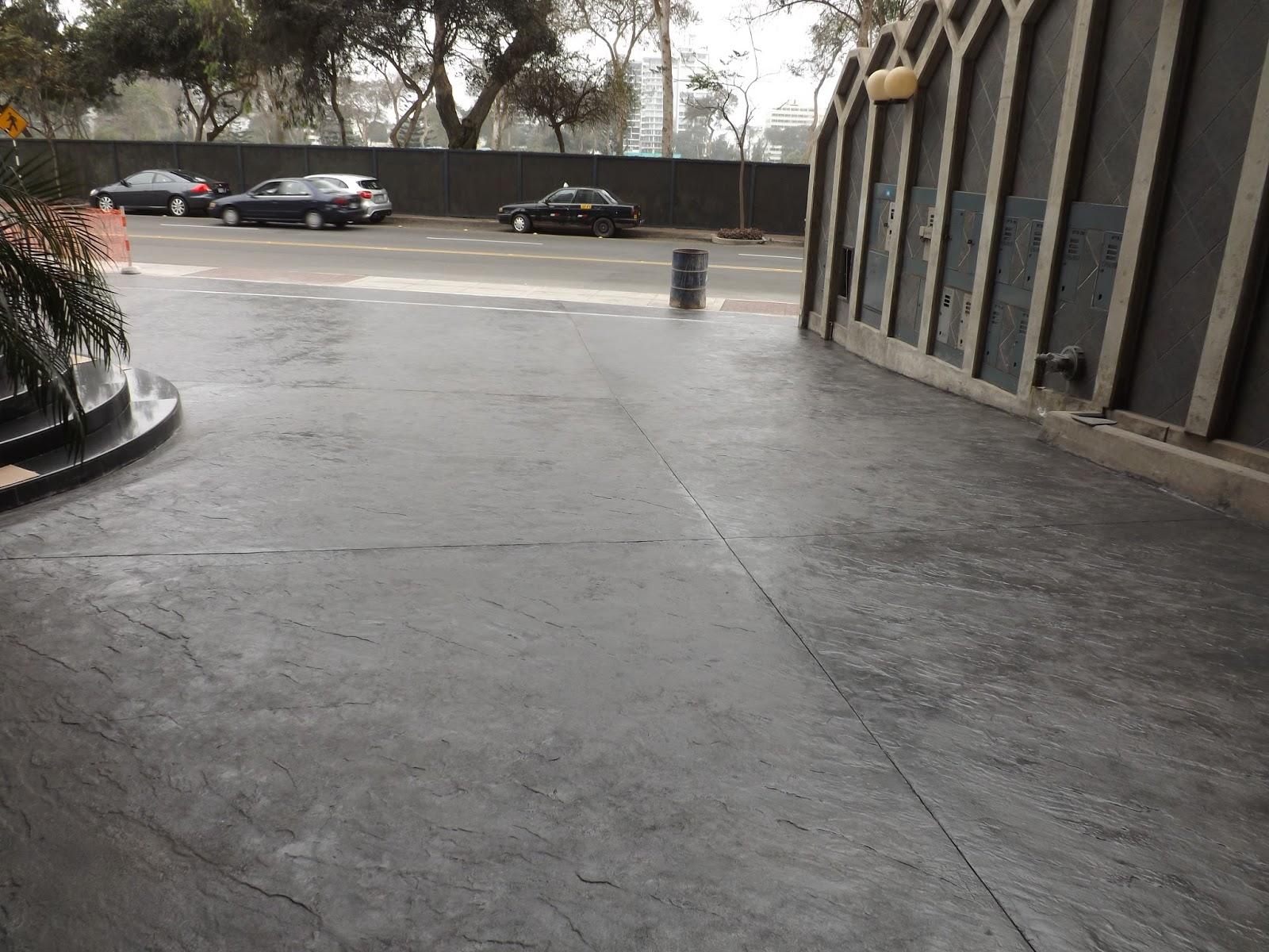 Oniria piso de estacionamiento de concreto estampado for Piso hormigon pulido