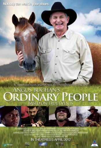 Angus Buchan's Gente Ordinaria La trama sigue los recorridos individuales de tres hombres corrientes de Sudáfrica en la asistencia a la Conferencia de 2010 de los poderosos, donde sus vidas han cambiado para siempre por el mensaje de Dios para ellos.